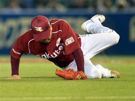 楽天、D3・田中のプロ初盗塁で粘る「ああいう場面で使ってもらうためにいる」