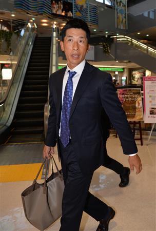 阪神・矢野2軍監督が緊急帰阪 1軍監督就任要請で家族らと相談か ...