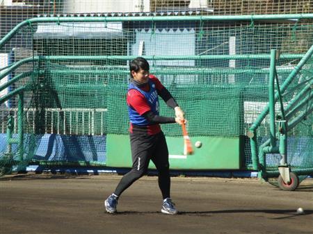 DeNA・伊藤裕、初のフリー打撃で高い打撃センスを披露