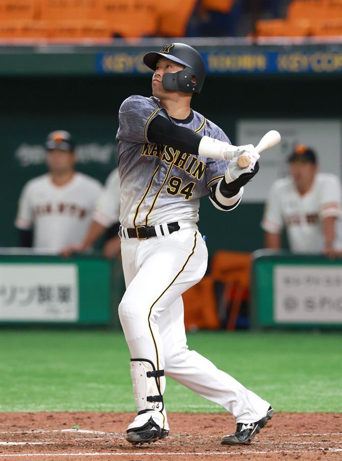 阪神・原口が1号ソロ「しっかりスイングした結果」阪神・原口が1号ソロ「しっかりスイングした結果」