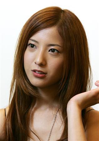 茶髪ロングの吉高由里子