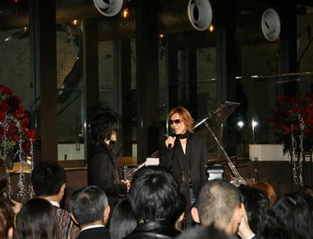 YOSHIKIイベント、TOSHIが生歌(3)