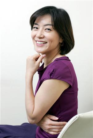 BSフジLIVEプライムニュースの看板キャスター八木亜希子