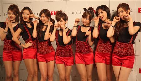 T-ARA、日本デビュー曲でねこダンス!(1)