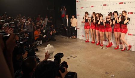 T-ARA、日本デビュー曲でねこダンス!(2)
