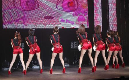 T-ARA、日本デビュー曲でねこダンス!(5)