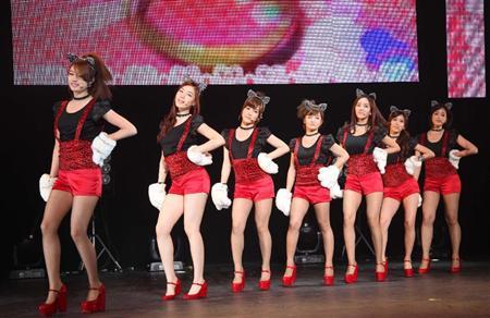 T-ARA、日本デビュー曲でねこダンス!(6)