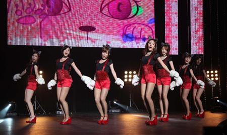 T-ARA、日本デビュー曲でねこダンス!(7)