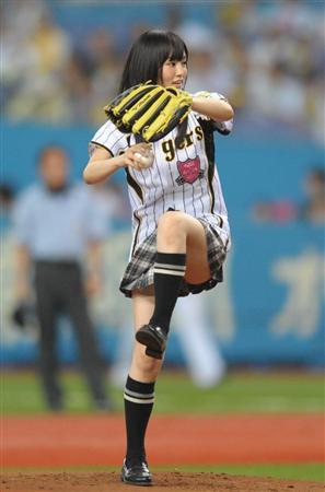 NMB・山本彩、始球式でリベンジ達成(2)
