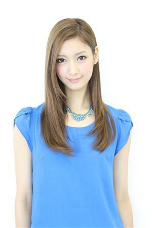 http://www.sanspo.com/geino/images/20120530/oth12053005050009-p1.jpg