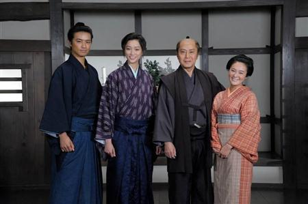 http://www.sanspo.com/geino/images/20120531/oth12053105060012-p1.jpg