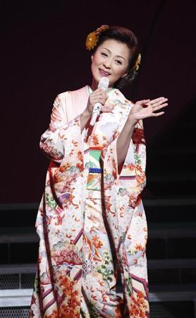 http://www.sanspo.com/geino/images/20121101/oth12110104330007-p2.jpg