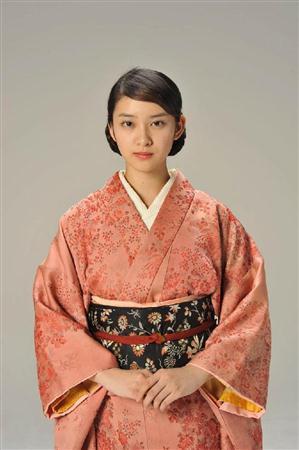 http://www.sanspo.com/geino/images/20130305/oth13030505060014-p2.jpg