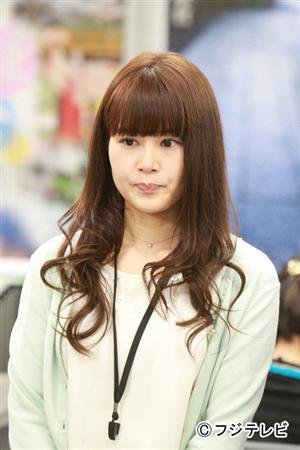 ブロンドヘアーの佐津川愛美さん