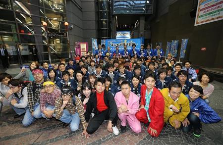 「よしもと漫才劇場」オープン 若手400組が出演(3)