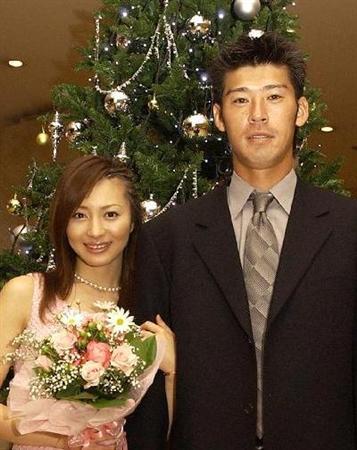 新山千春が離婚を正式発表!生活のすれ違い、価値観の違い…溝埋められず 正式に離婚した新山千春(左
