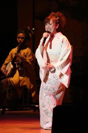 故郷の埼玉・本庄市市民文化会館で初の単独ライブを開催した松川未樹 故郷の... 松川未樹、故郷・