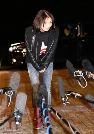 調理中に手元狂って…田畑智子、自殺未遂否定 負傷は親指付け根(1)  自殺未遂報道について謝罪し