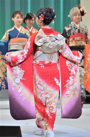 出場者は様々な思いを胸に色とりどりの着物を披露した 出場者は様々な思いを... 小澤奈々花、『き
