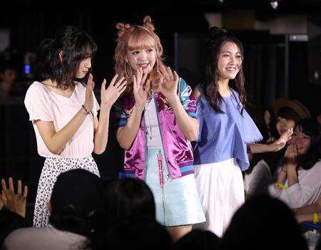 武田玲奈、にこるんとファッションショーで18歳キュート競演(2