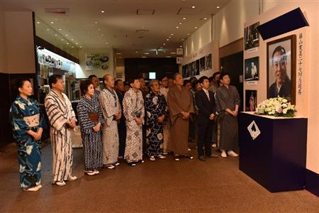 藤山扇治郎、七夕公演の黙祷式で決意「一生懸命精進いたします ...