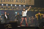 「Act Against AIDS 2016」に出演した三浦春馬、岸谷五朗、岸谷香、寺脇康文