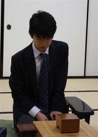 最年少14歳棋士・藤井聡太がデビ...