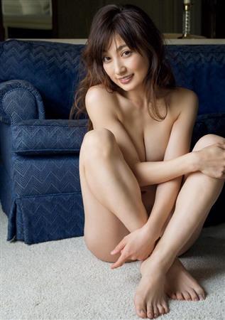 熊田たまらん 熊田曜子 35歳セーラー服姿を披露 「美しすぎJK」 [無断転載禁止]©2ch.netYouTube動画>3本 ->画像>29枚