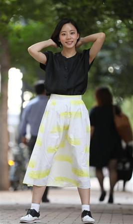 ミニスカート姿の大西礼芳さん