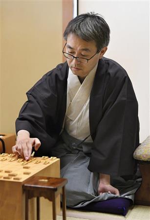 羽生棋聖、史上初の「永世7冠」を獲得 渡辺竜王を破り永世竜王に/将棋