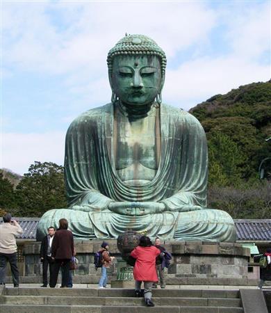 国宝、鎌倉大仏にガム100カ所 油...