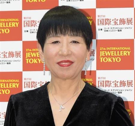 和田アキ子、眼瞼下垂手術をテレビで報告 共演者に励まされ