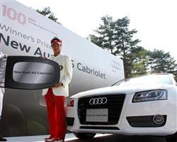 Audi A5 カブリオレと石川遼選手