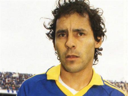 リヨンやボカでプレーしたパラグアイ代表往年のFWカバニャスが急逝