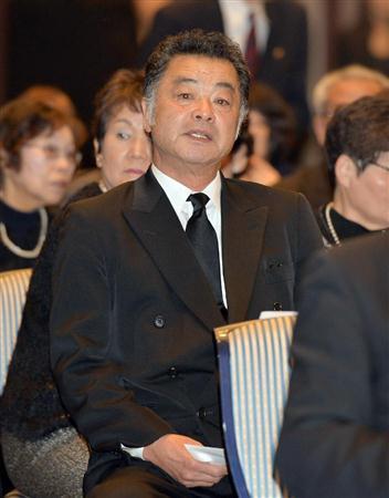 河西昌枝さんをしのぶ会、小泉元首相ら約500人参列/バレー(3)