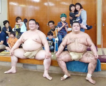 稀勢、休場後初の出稽古でテーピング施さず!名古屋場所へ仕上がり順調(1)