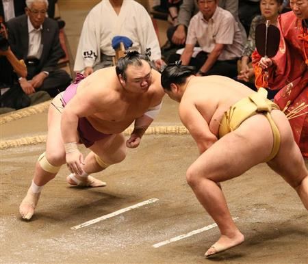 日馬富士が3連敗、かど番照ノ富士は4敗目 阿武咲が全勝で単独トップ/秋場所